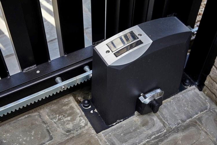 automatisatie schuifpoort SLG T08